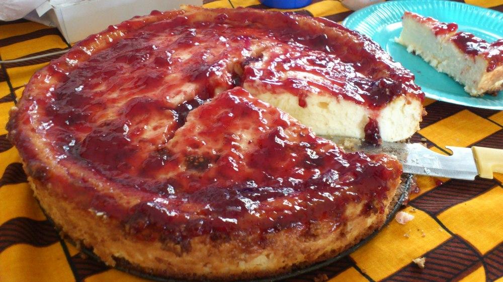 Tarta de queso cremosa a base de philadelphia, zumo de limón y base de galletas :)
