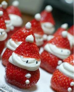 fresas-con-nata-montada-decoradas-papa-noel
