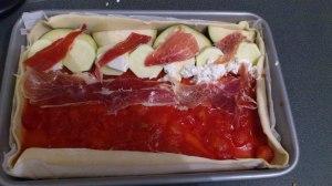 Tarta de verduras con jamón ibérico y queso de cabra: montaje :)